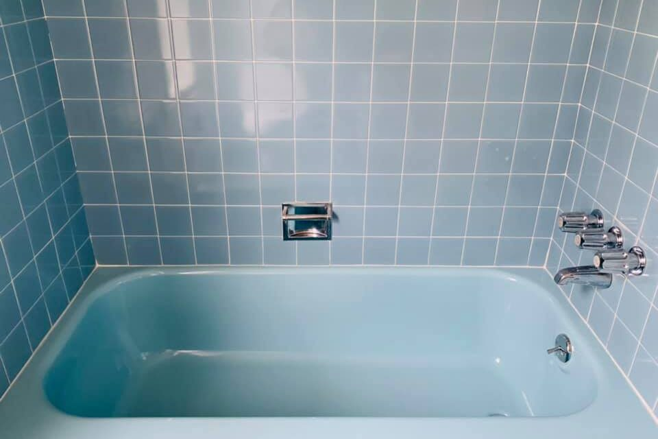 https://livinginthecrescent.com/wp-content/uploads/2021/03/Blue-Bath-960x640.jpg